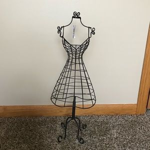 NWT TableTop Dress Form Jewelry Holder